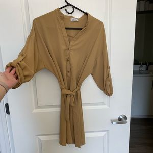 Tan dress with belt made in Italy